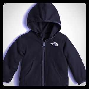 THE NORTH FACE FULL ZIP HOODIE. NWT. 24